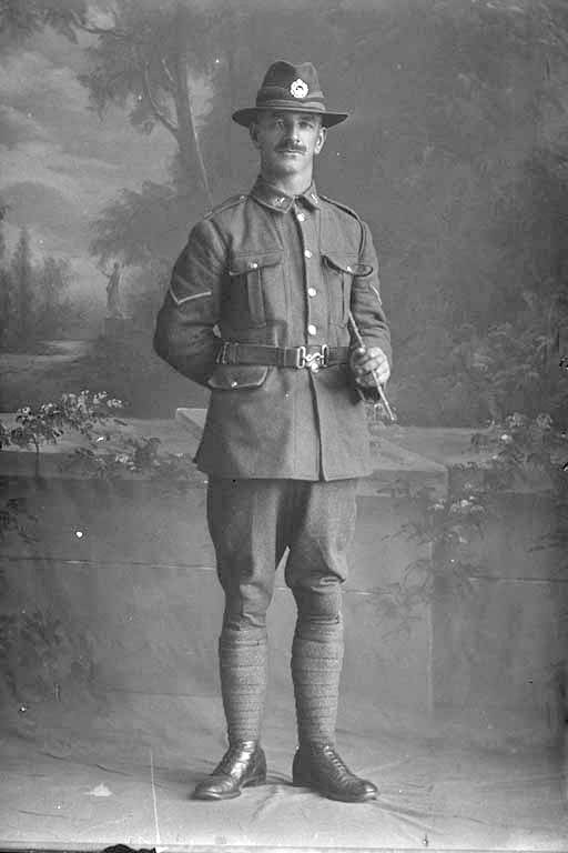 Full length portrait of Lance Corporal Frederick William Campbell, Reg No 49766, of the Auckland Infantry Regiment, A Company, 27th Reinforcements. Sir George Grey Special Collections, Auckland Libraries, 31-C3598