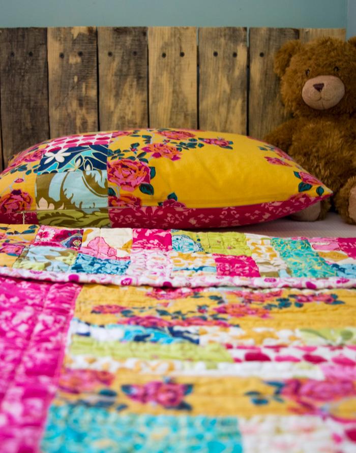 toddler-pallet-bed-02.jpg
