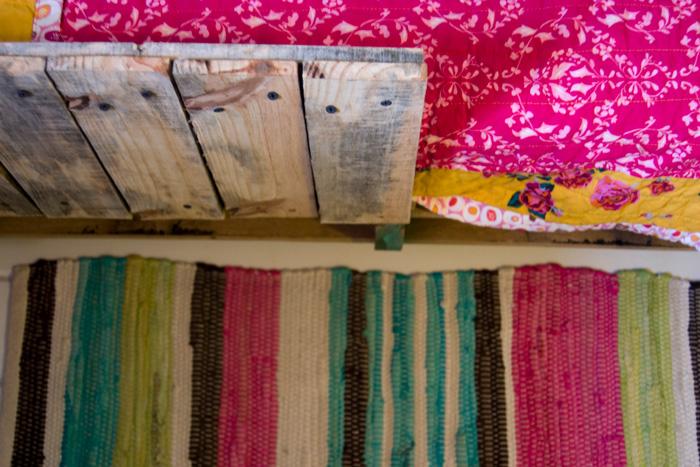 toddler-pallet-bed-03.jpg