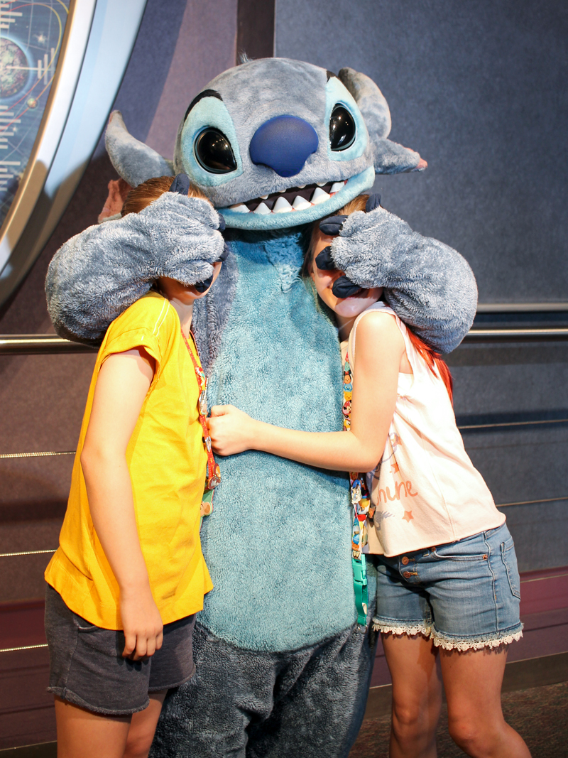hac-magic-kingdom-disney-stitch.jpg