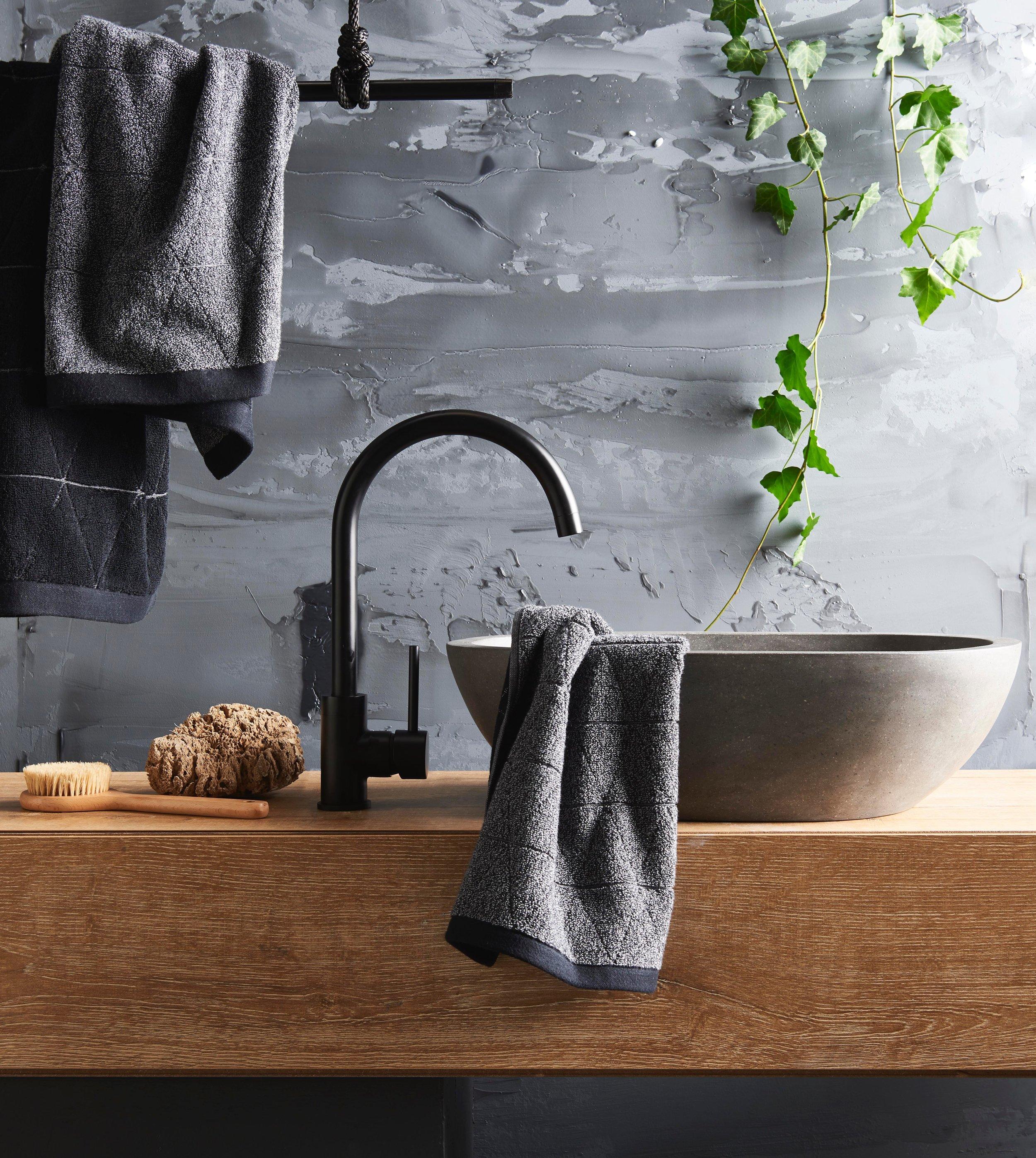 bathroomJIP.JPG