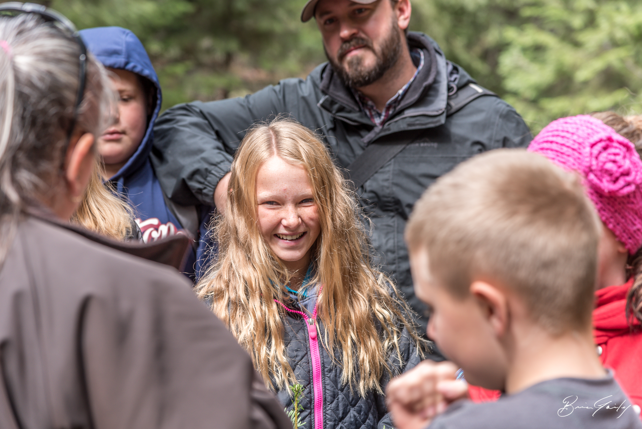 Students from Mr. Mike McKittrick's sixth grade class from Ferguson Elementary learn how to properly identify species of trees using a flowchart at the Tree Identification Station of the 54th Annual Klamath County Forestry Tour.  Image:  Brian Gailey