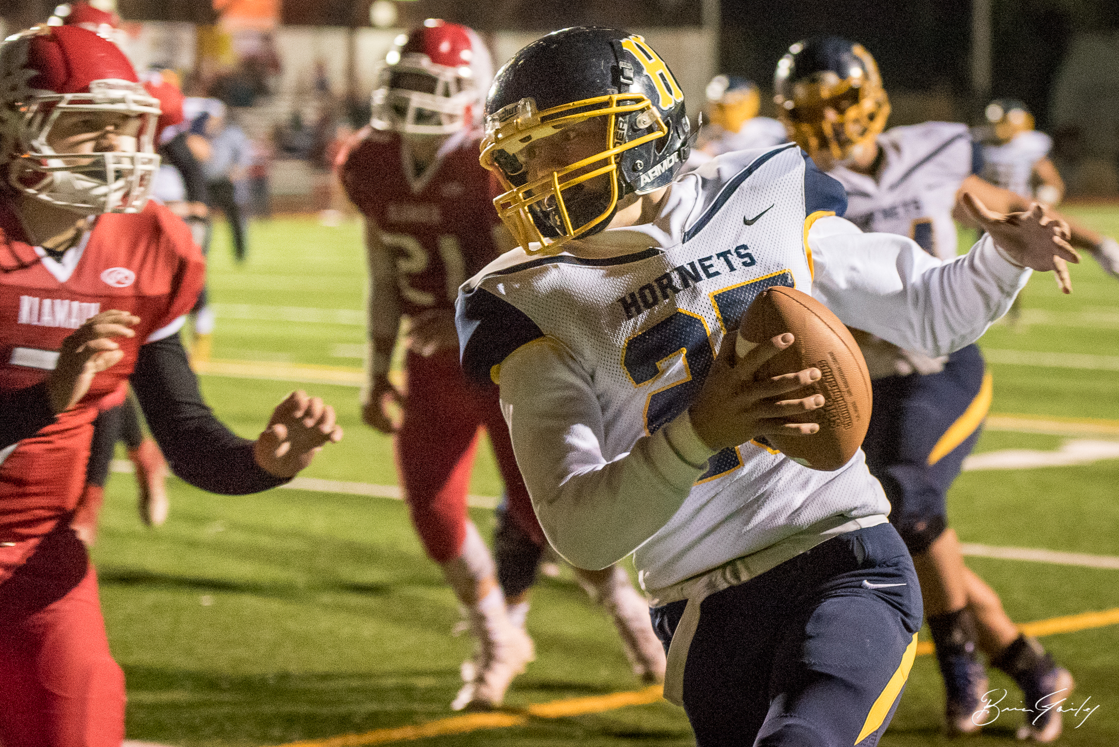 O'Connor is in for the TD. This is one of several touchdowns racked up by Henley against Klamath Union tonight.