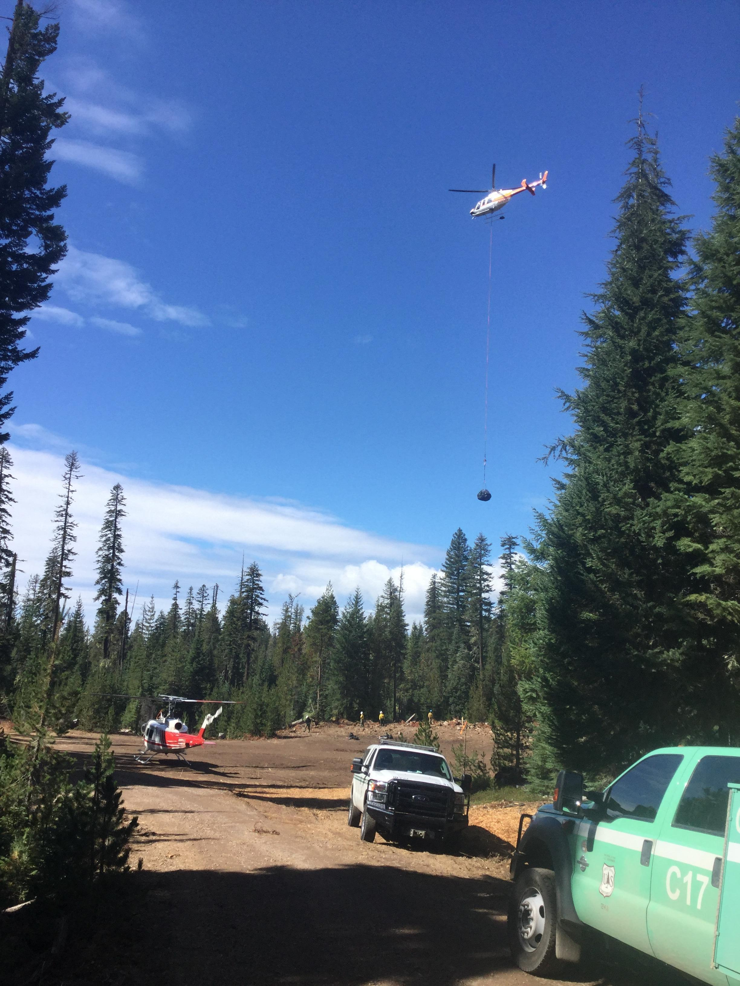 Spruce Lake Fire Helicopter Work (Inciweb)