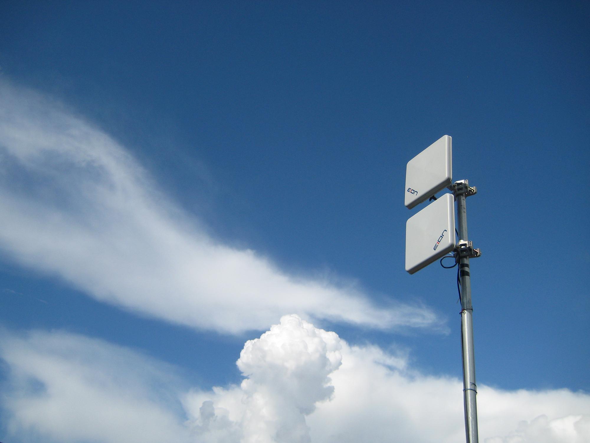 Intelligence in the Air (Richard Kelland,  Flickr )