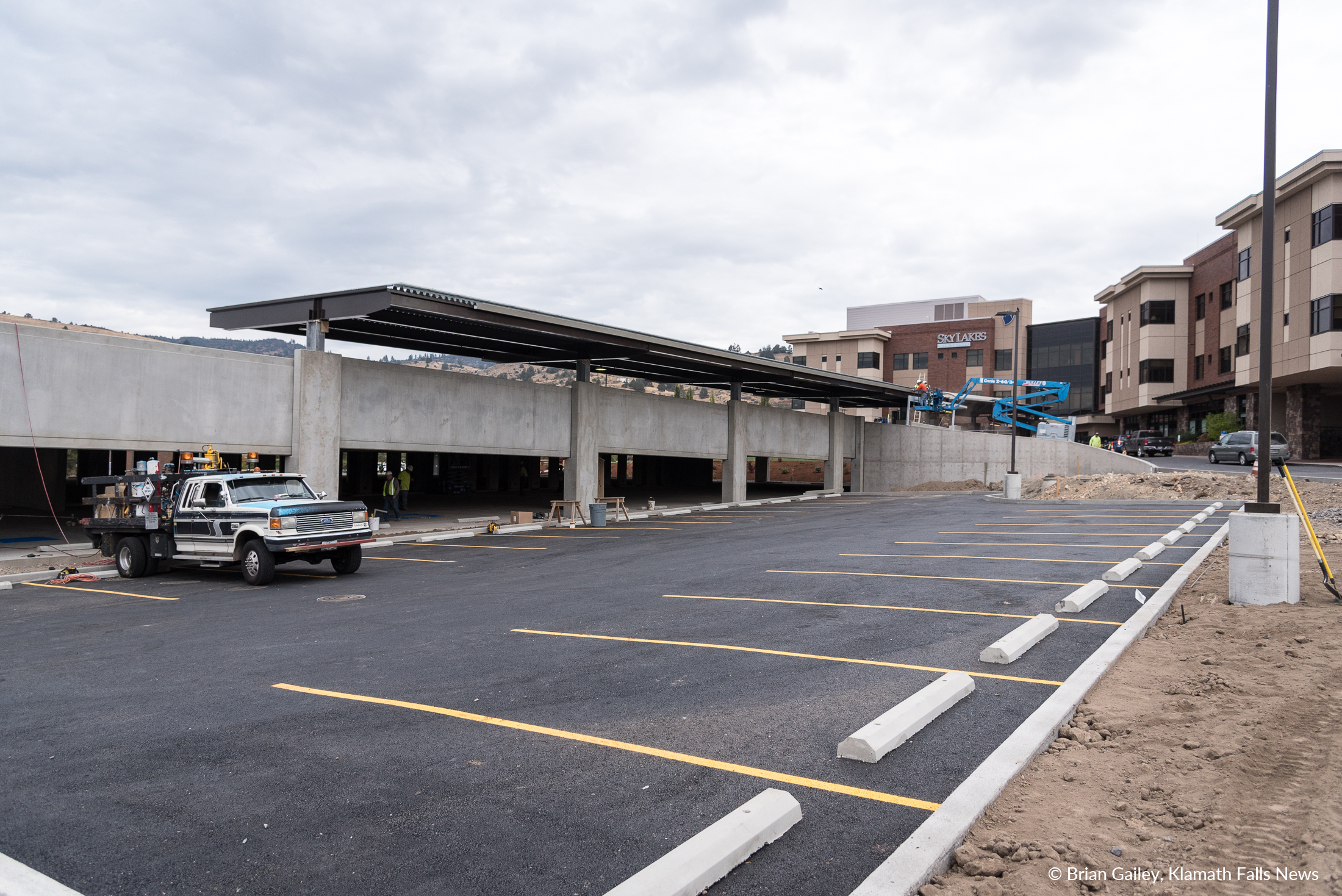 322 Parking spaces are now open at Sky Lakes Medical Center with the completion of a $10 million structure. (Brian Gailey)