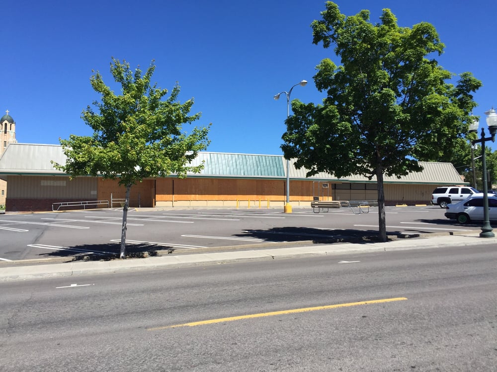 Vacant store in Downtown Klamath Falls (Yelp)