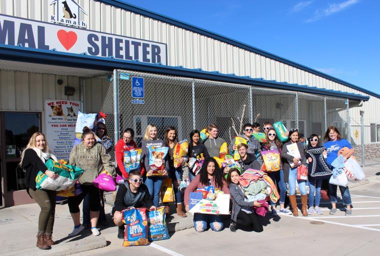 Students from Mazama High School give back a the Klamath Animal Shelter. (Samantha Tipler)