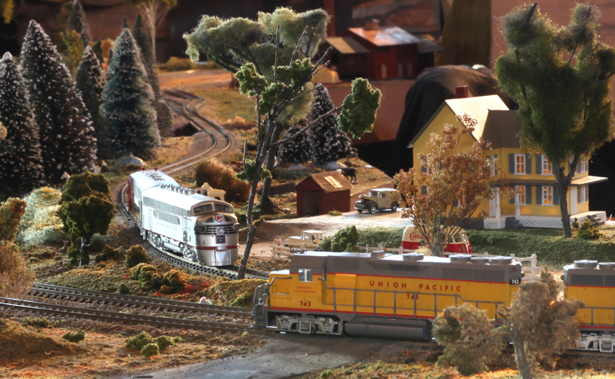 Model railroad sets will be operating at the Klamath County Museum during a train show running Dec. 16-30. (Klamath County Museum)