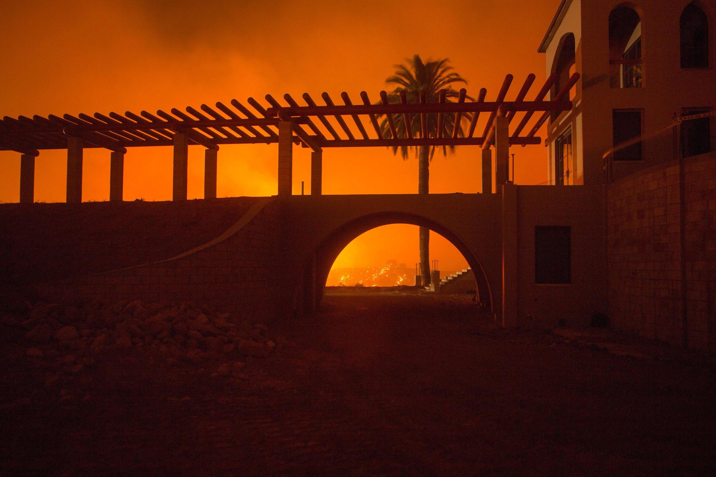 Thomas Fire Night Operations Dec. 9, 2017, California (Kari Greer, Inciweb)