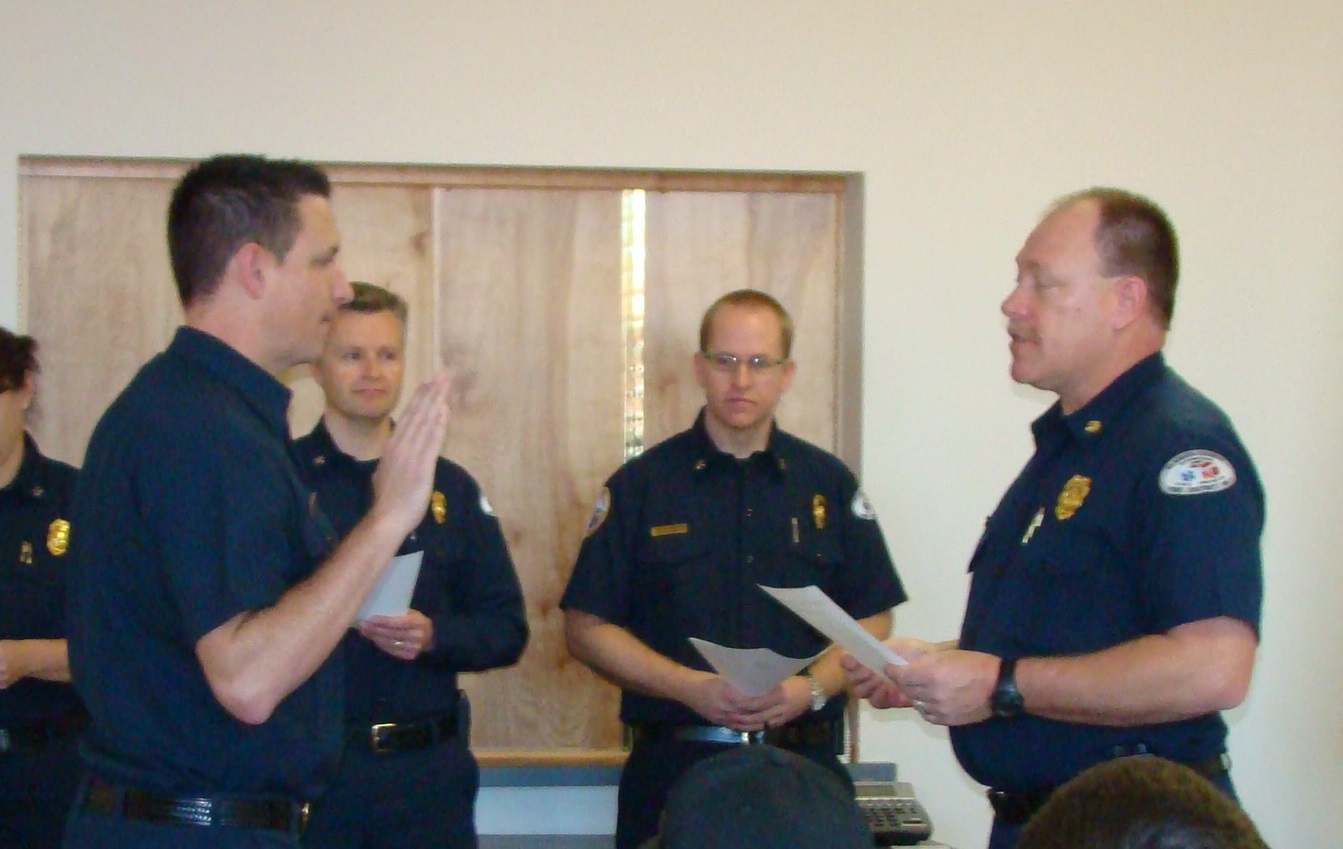 Hitchcock swears in as the new Division Chief, Klmath County Fire District 1 (Image KCFD 1)