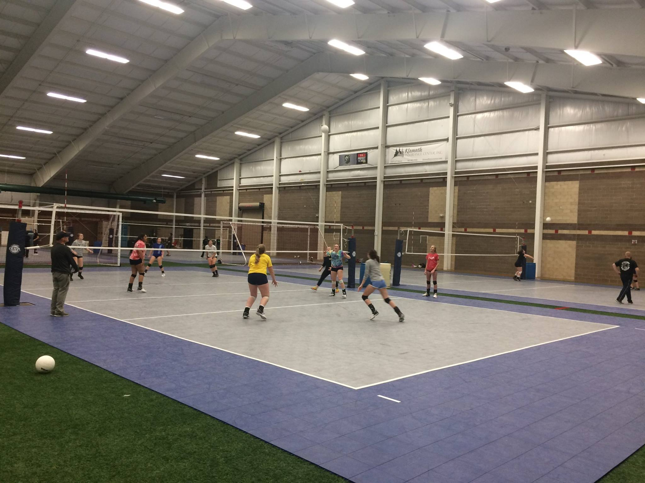 Drop in Volleyball (https://www.facebook.com/mikesfieldhouse/)
