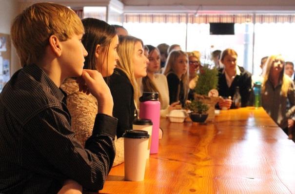 KCSD-Henley-Business-tour-01-19-18 2.jpg