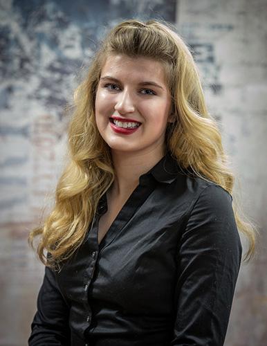 Christina Mueller - Age 17Parents: Carla MuellerTalent: ViolaPlatform: Lyme Disease AwarenessPhoto by, Chuck Collins