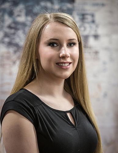 Heidi Hoy - Age 20Parents: Thomas Hoy & Jennifer Olin-HarrisTalent: VocalPlatform: Student Veterans ProgramPhoto by, Chuck Collins