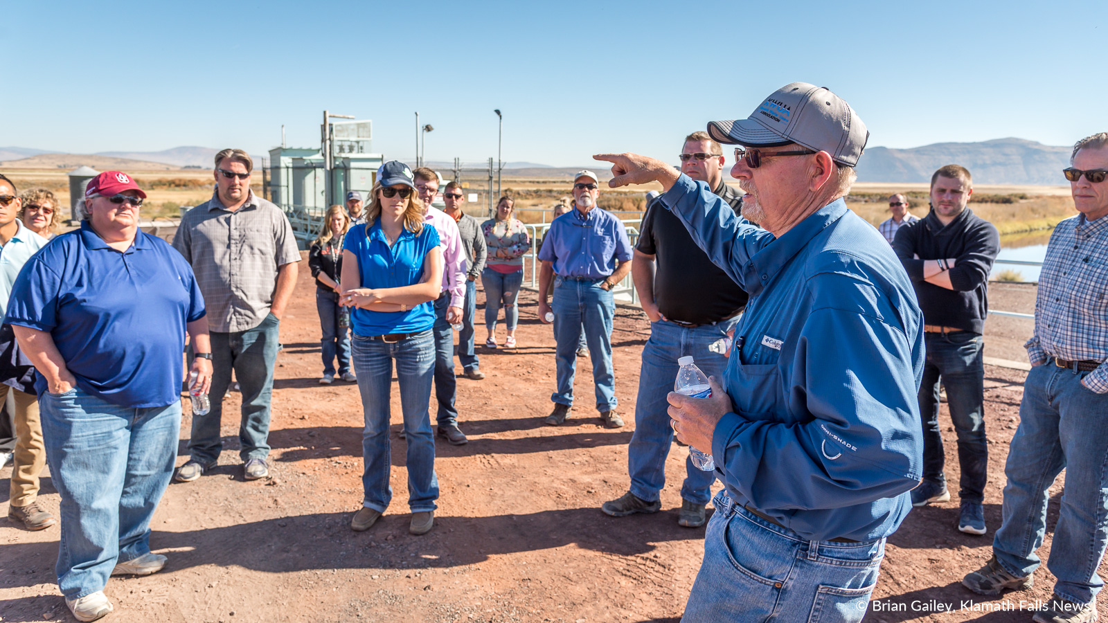 Steve Kandra speaks about the FF Pumping Station - Straights Drain, the final stop of the Klamath Project during the 2018 KWUA Fall Harvest Tour. September 27, 2018 (Brian Gailey)