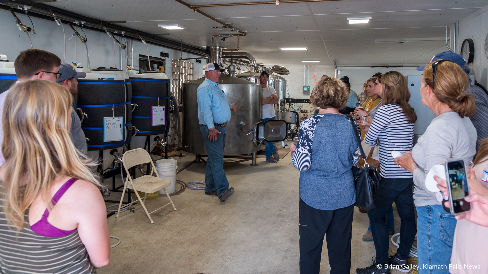 Ty and Ryan Kliewer speak about Skyline Brewery to attendees of the 2018 KWUA Fall Harvest Tour. September 27, 2018 (Brian Gailey)