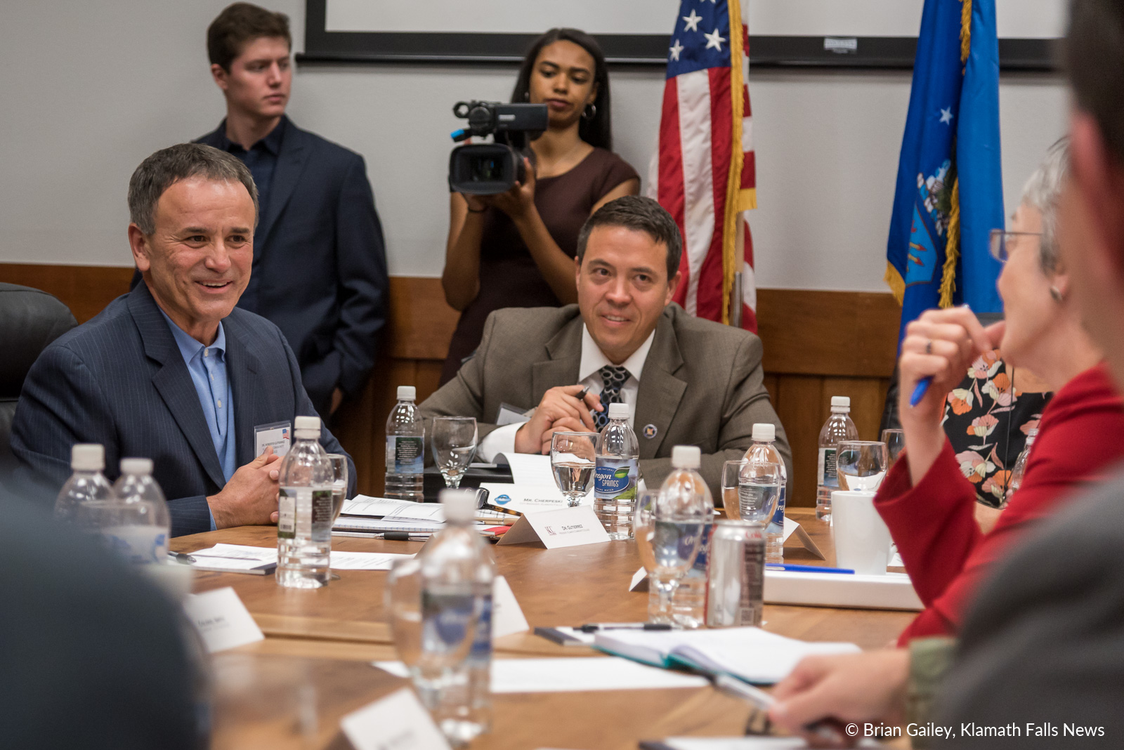 Dr. Roberto Gutierrez, President of Klamath Community College discusses the future of education in the Klamath Basin with Air Force Secretary, Heather Wilson. November 3, 2018 (Brian Gailey)