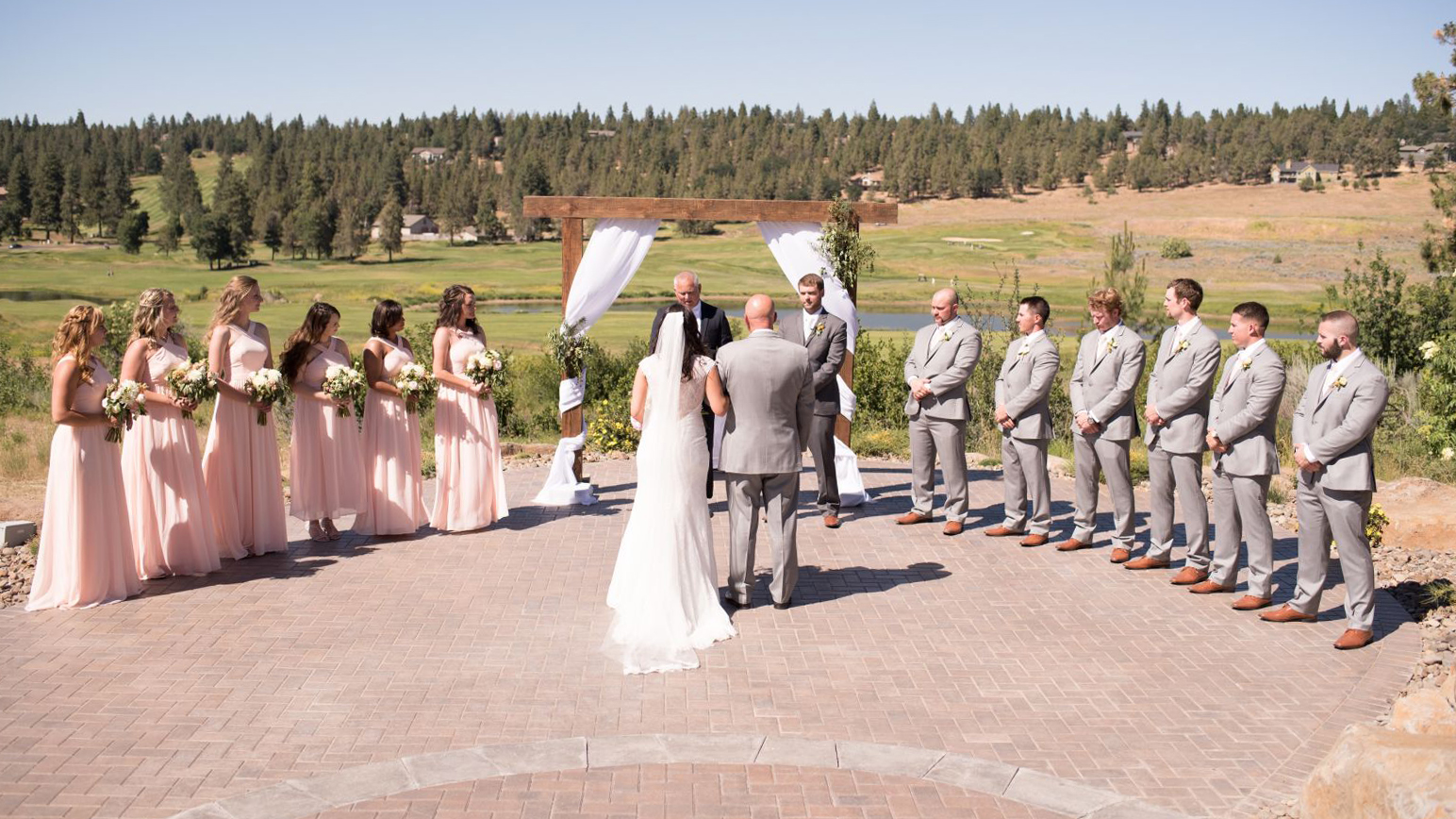 Running Y Ranch receives 2019 Couples' Choice Award from Wedding Wire, Inc. (Image: RunningY.com)