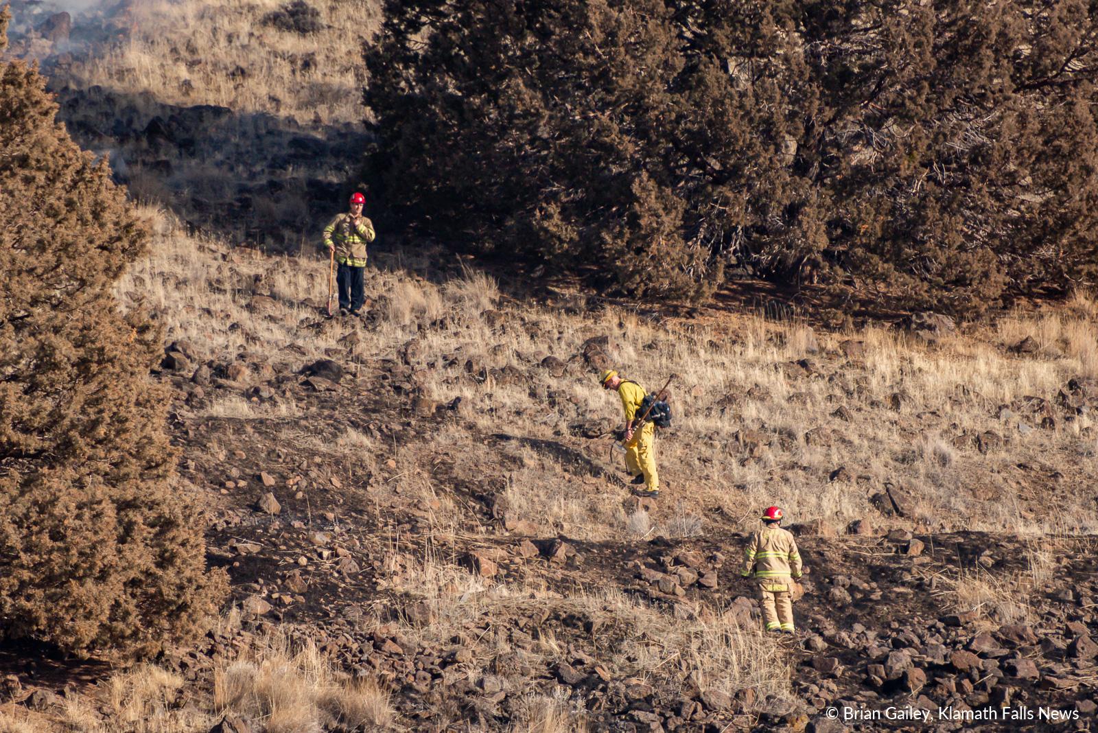 A suspicious fire burns on Stukel Mountain near Chalet Drive in Klamath Falls. January 14, 2019 (Brian Gailey)
