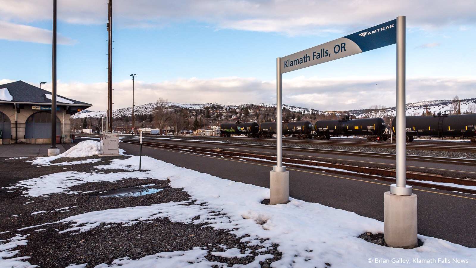 The Klamath Falls Station is empty and quiet with no Amtrak service for over a week. March 1, 2019 (Brian Gailey / Klamath Falls News)