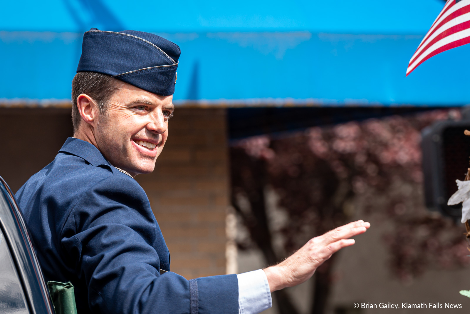 173rd FW Vice-Commander, Col. Jeff Edwards, Grand Marshal of the 2019 Memorial Day parade. May 27, 2019. (Image, Brian Gailey / Klamath Falls News).