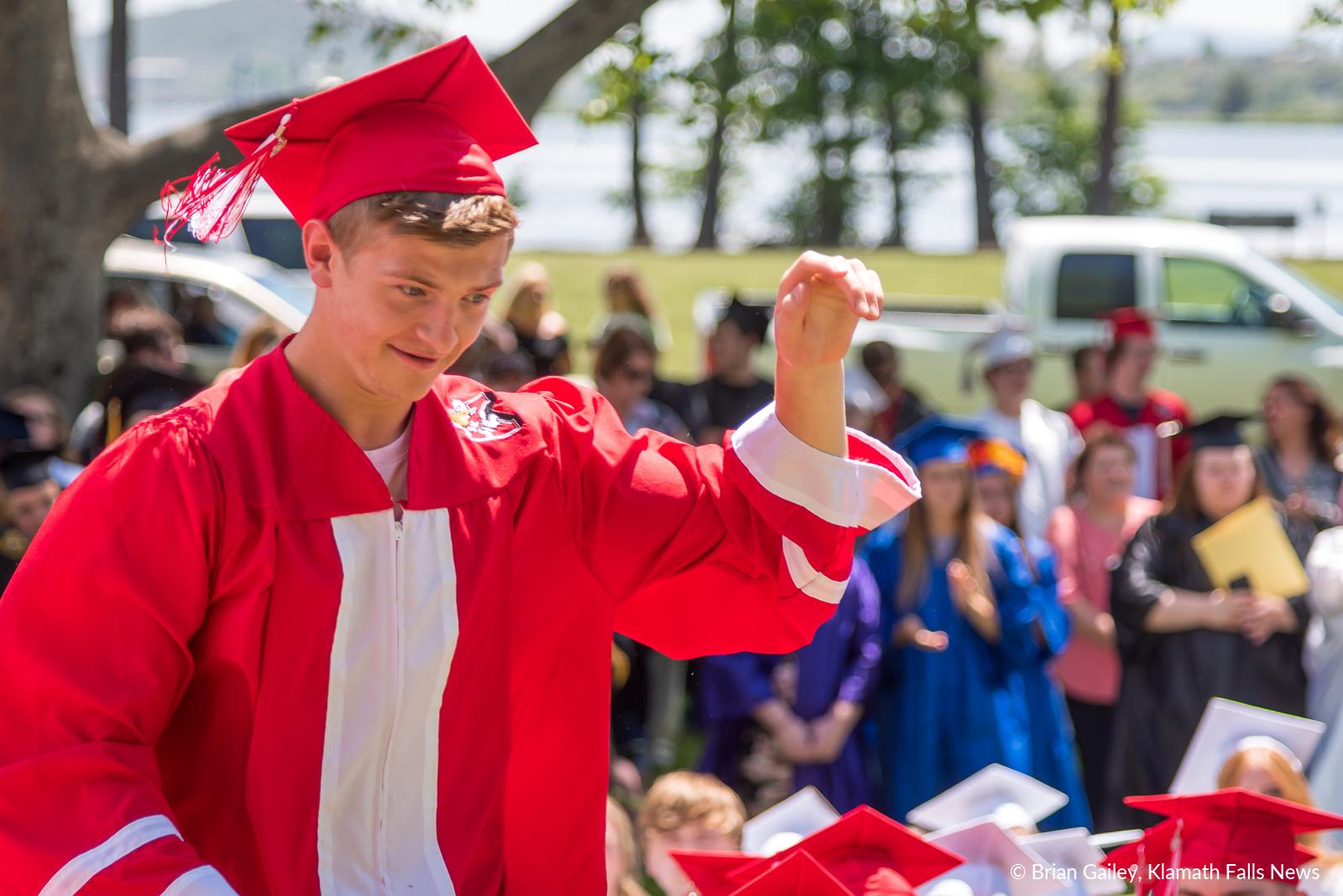 GraduationSensation2019-KFN-3214.jpg