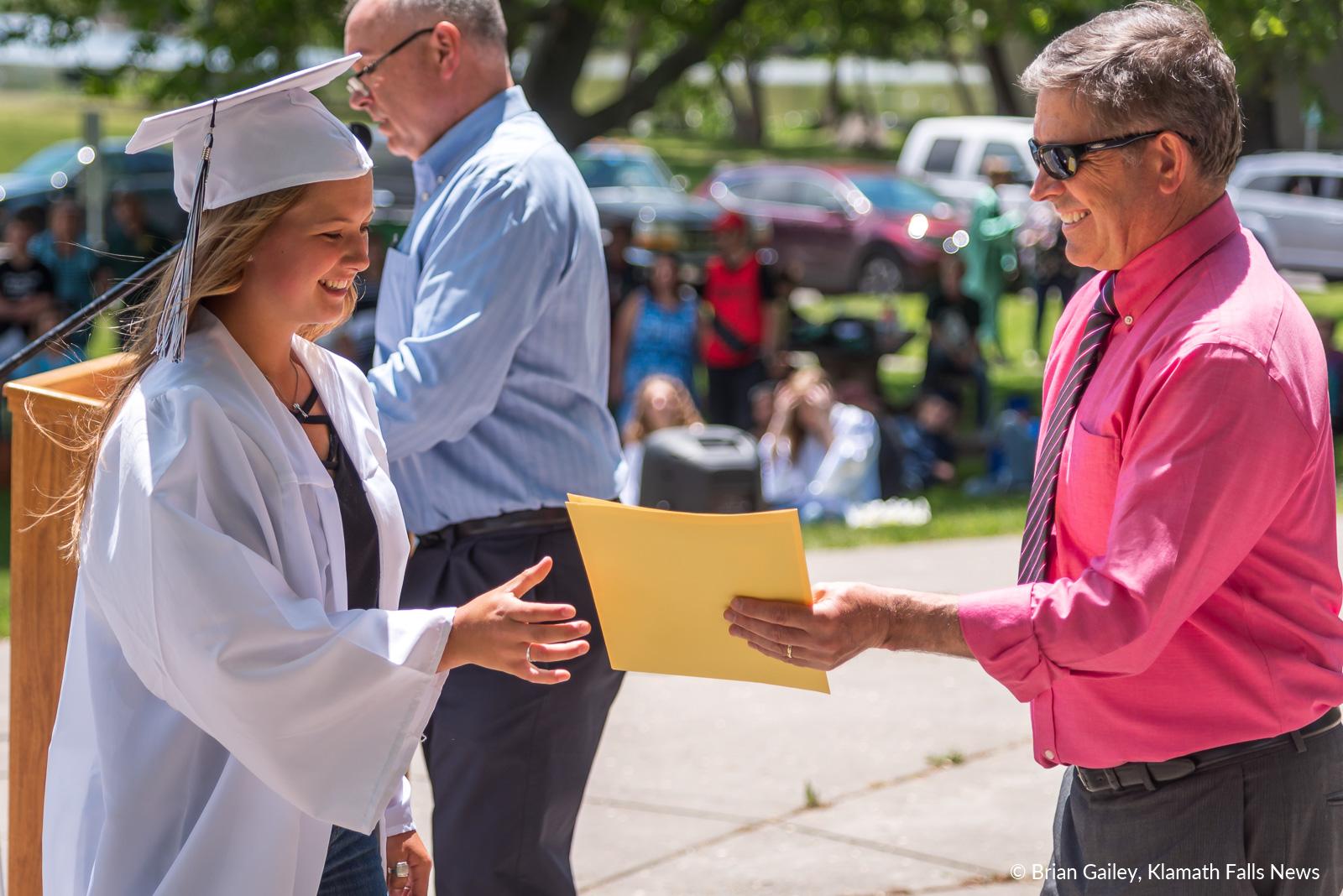 GraduationSensation2019-KFN-3255.jpg