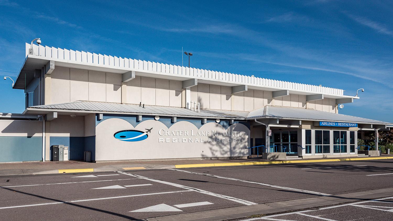 Crater Lake - Klamath Regional Airport In Oregon