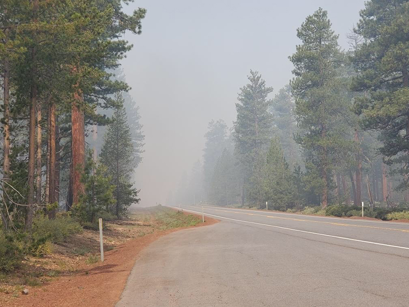 Smoke from the prescribed fire as seen from Oregon 138, the Diamond Lake Highway (Image: USFS)