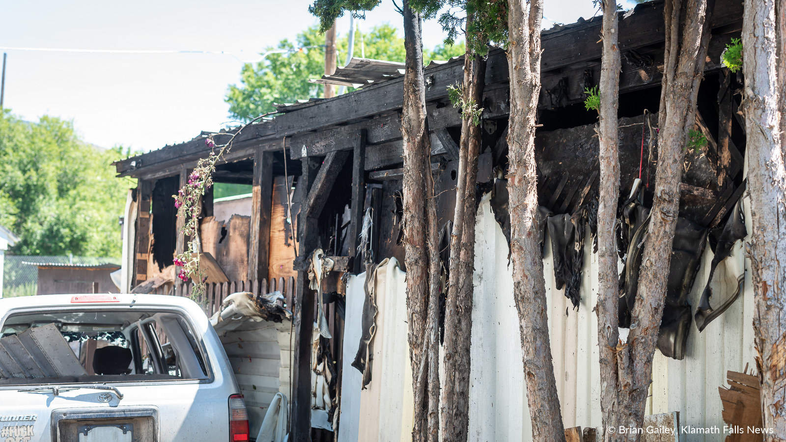 The cause of a house fire at the Plaza Manor Manufactured Home Park is still under investigation. July 4, 2019 (Image, Brian Gailey / Klamath Falls News)