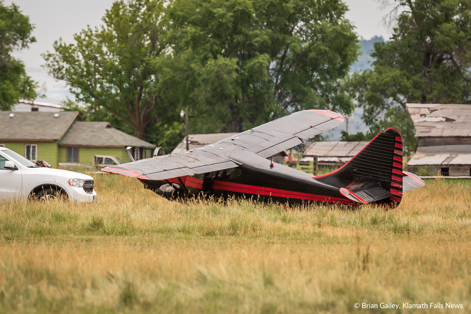 No injuries were reported after a single engine aircraft crashed in a field south of the Crater Lake - Klamath Regional Airport. July 9, 2019 (Image, Brian Gailey, Klamath Falls News)