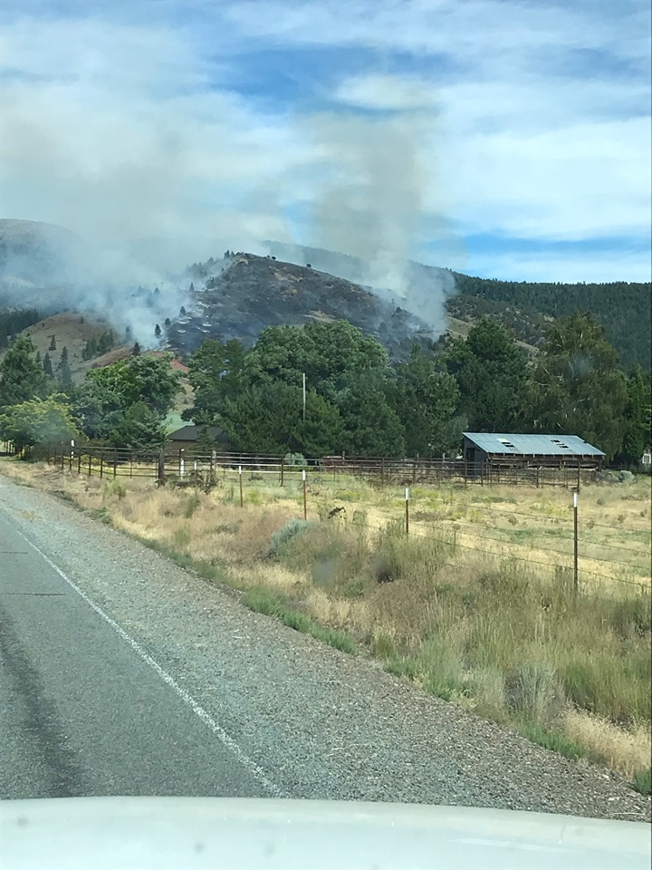 Goose 2 Fire from County Road 9 (Modoc National Forest)