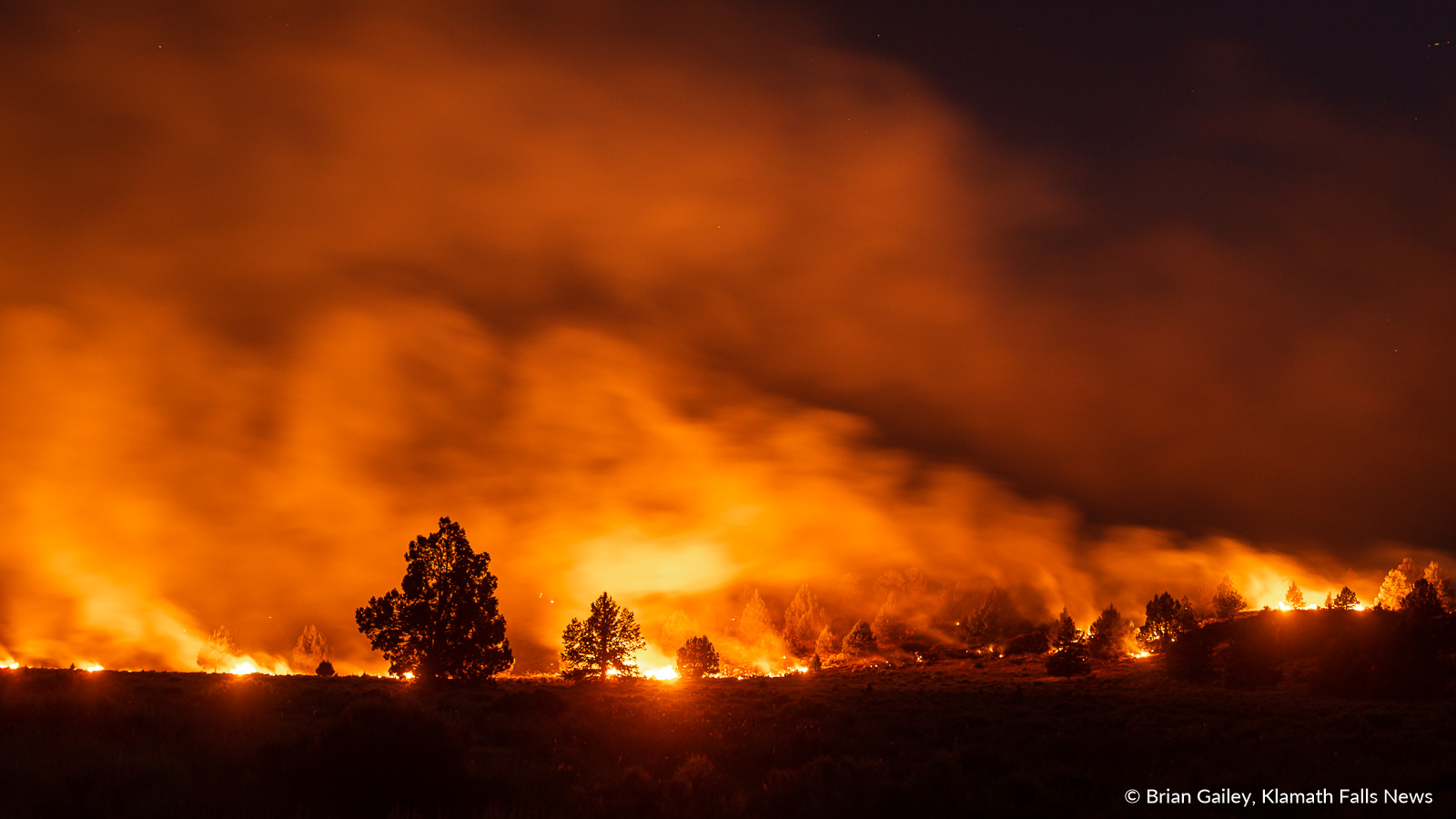 Road Side Assistance >> Tucker Fire 2,461 Acres and Growing