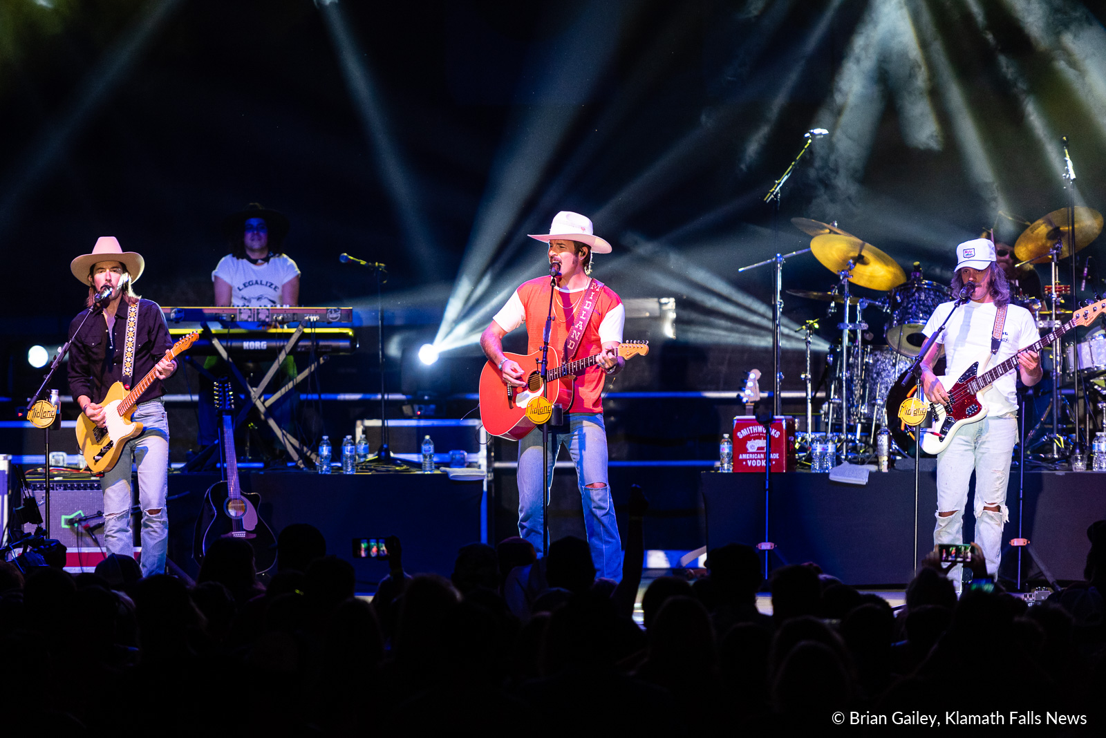 Midland performs inside the Klamath County Event Center as the Thursday entertainment headliner at the 2019 Klamath County Fair. August 1, 2019. (Image, Brian Gailey / Klamath Falls News)