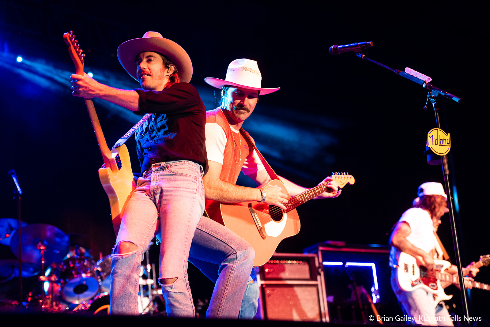 Midland performs at the 2019 Klamath County Fair, Day 1 (Image, Brian Gailey / Klamath Falls News)