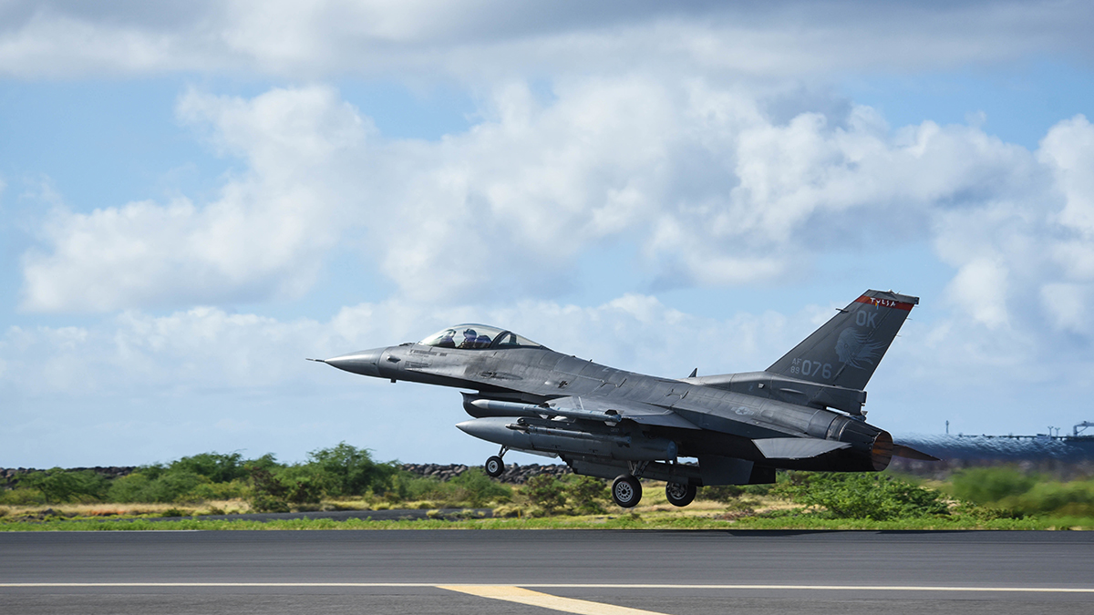 A United States Air Force F-16 Fighting Falcon from Tulsa Air National Guard Base in Tulsa, Oklahoma takes off from Joint Base Pearl Harbor-Hickam, August 21, 2019. Aircraft from around the world took part in Joint Exercise Sentry Aloha, a three week coalition exercise at Joint Base Pearl Harbor-Hickam in Honolulu, Hawaii. (U.S. Air National Guard Photo by Airman First Class Adam Smith)