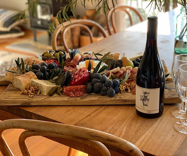 Our lovely guests ordered a grazing platter while staying with us at @fiveacres_phillipisland which was waiting for them on arrival yesterday. We also left a smashing Pinot from our friends @phillipislandwinery 😉 👉🏻 to book, follow link in bio