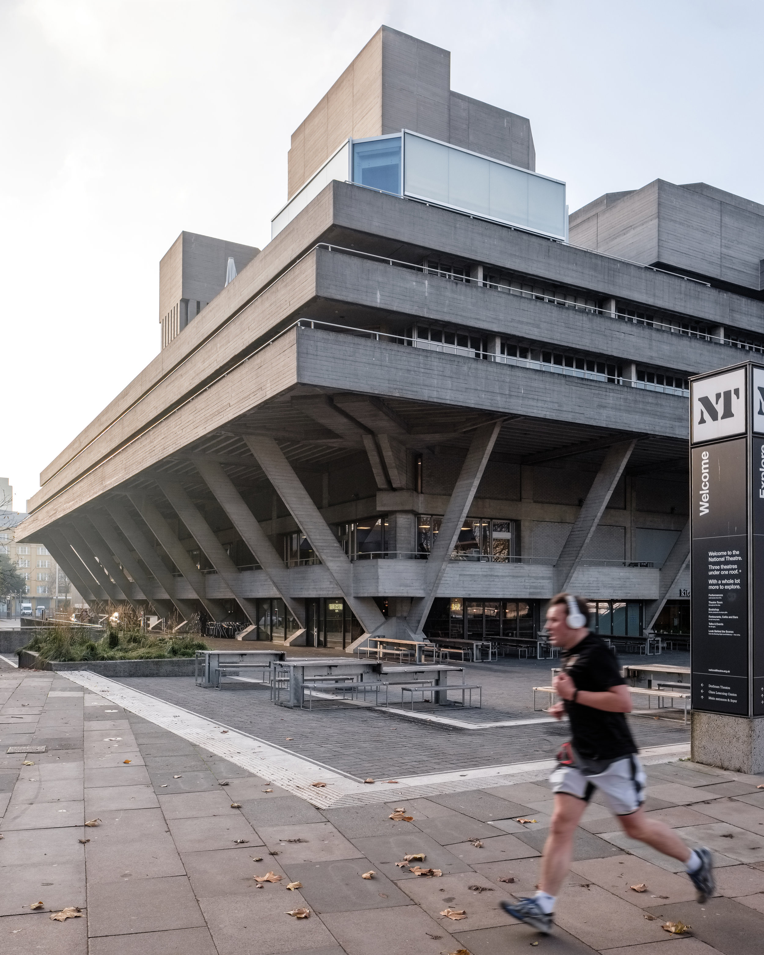 Fred+Howarth+Photography_National+Theater+Deck_04.jpg