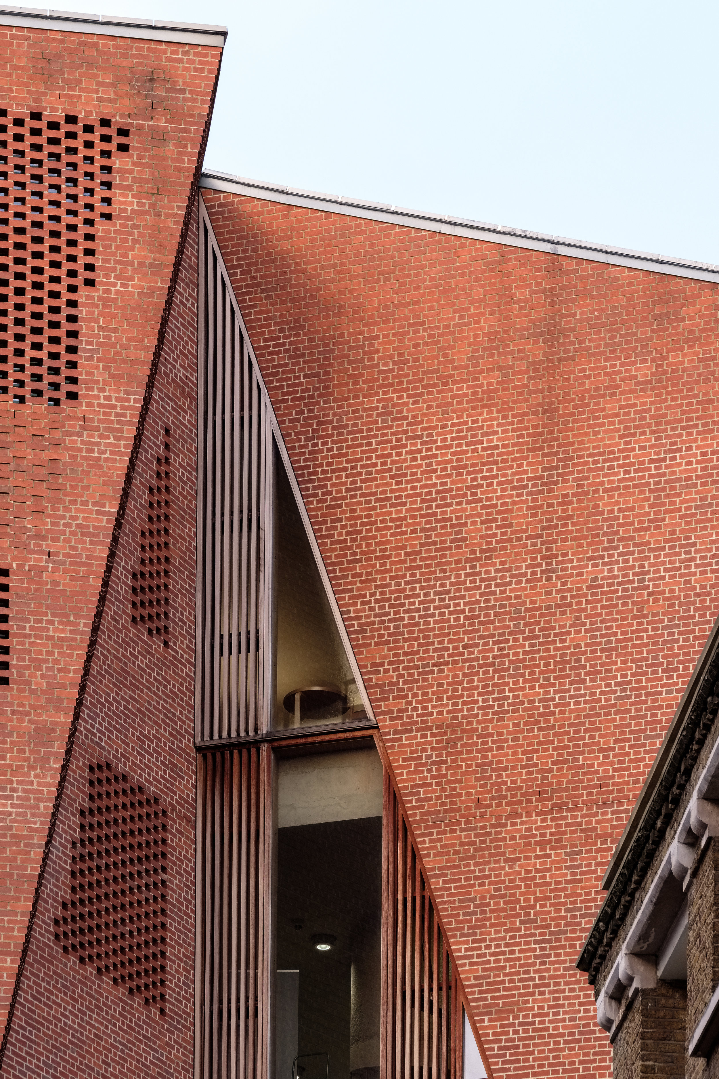 Fred+Howarth+Photography_LSE+Saw+Hock+Building_-1.jpg