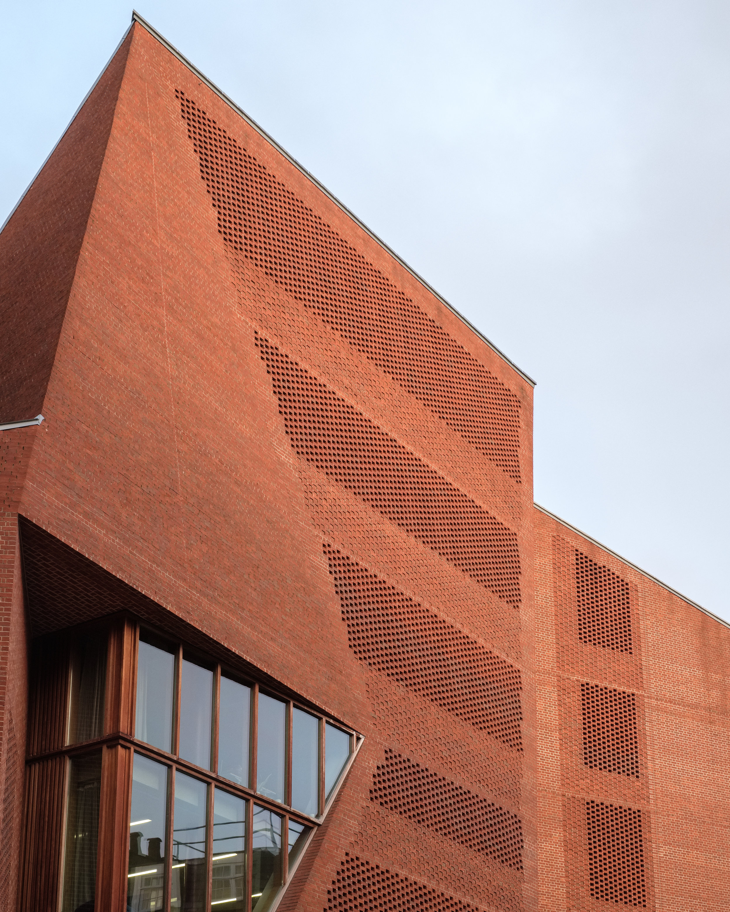 Fred+Howarth+Photography_LSE+Saw+Hock+Building_-2.jpg
