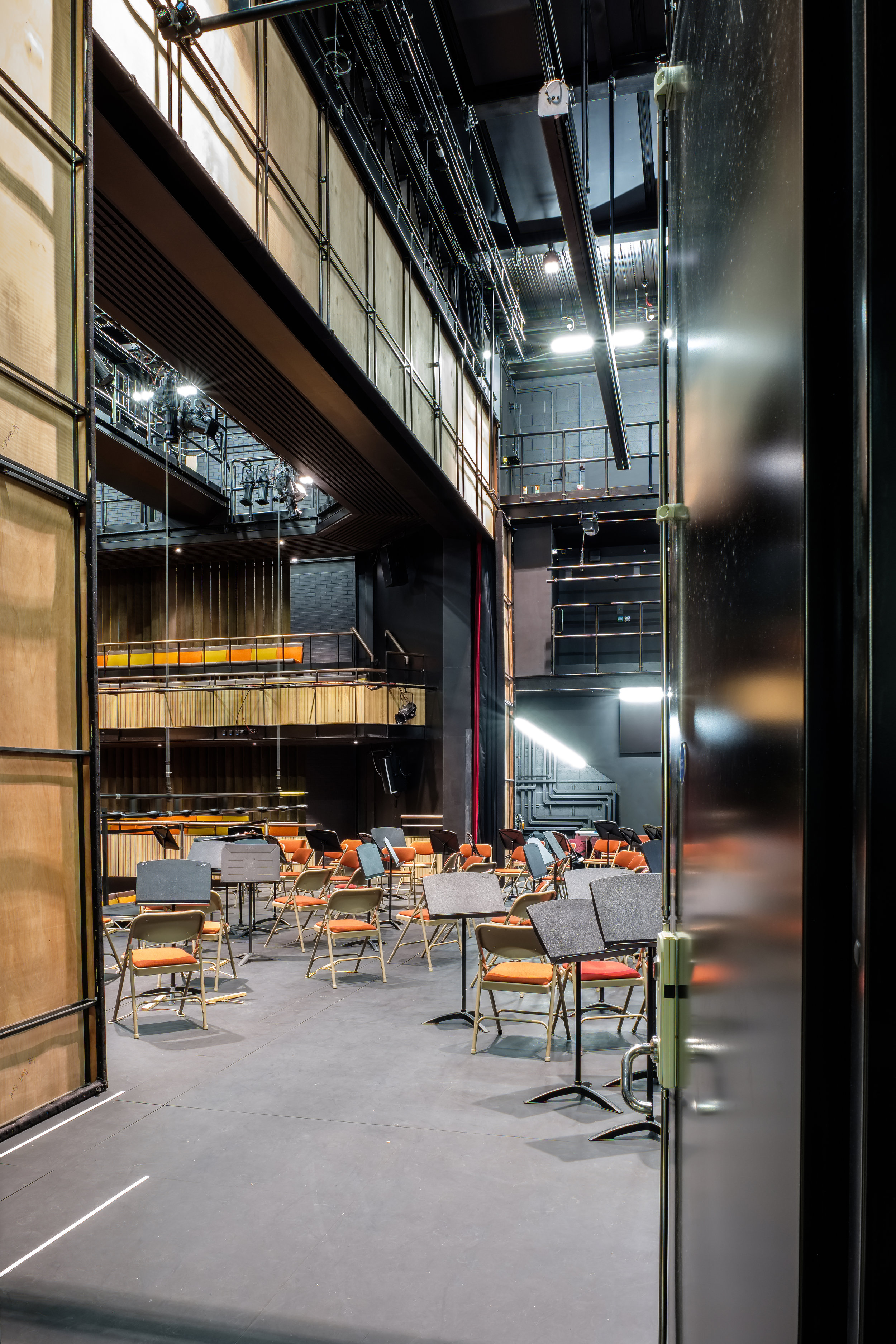 Fred+Howarth+Photography_Perse+Schol+Performing+Arts+Centre_01.jpg