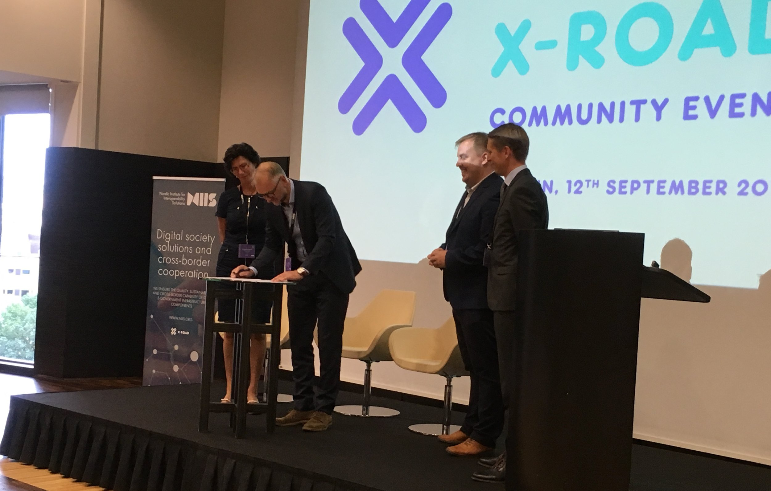 Einar Birkir Einarsson of Iceland signing the partnership agreement at X-Road Community Event 2018 in Tallinn, Estonia.