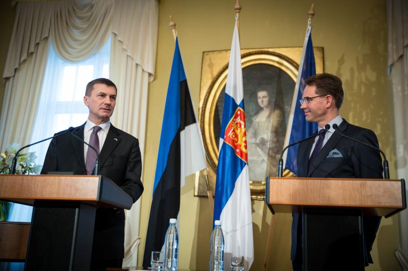 Andrus Ansip and Jyrki Katainen in Helsinki in December 2013.