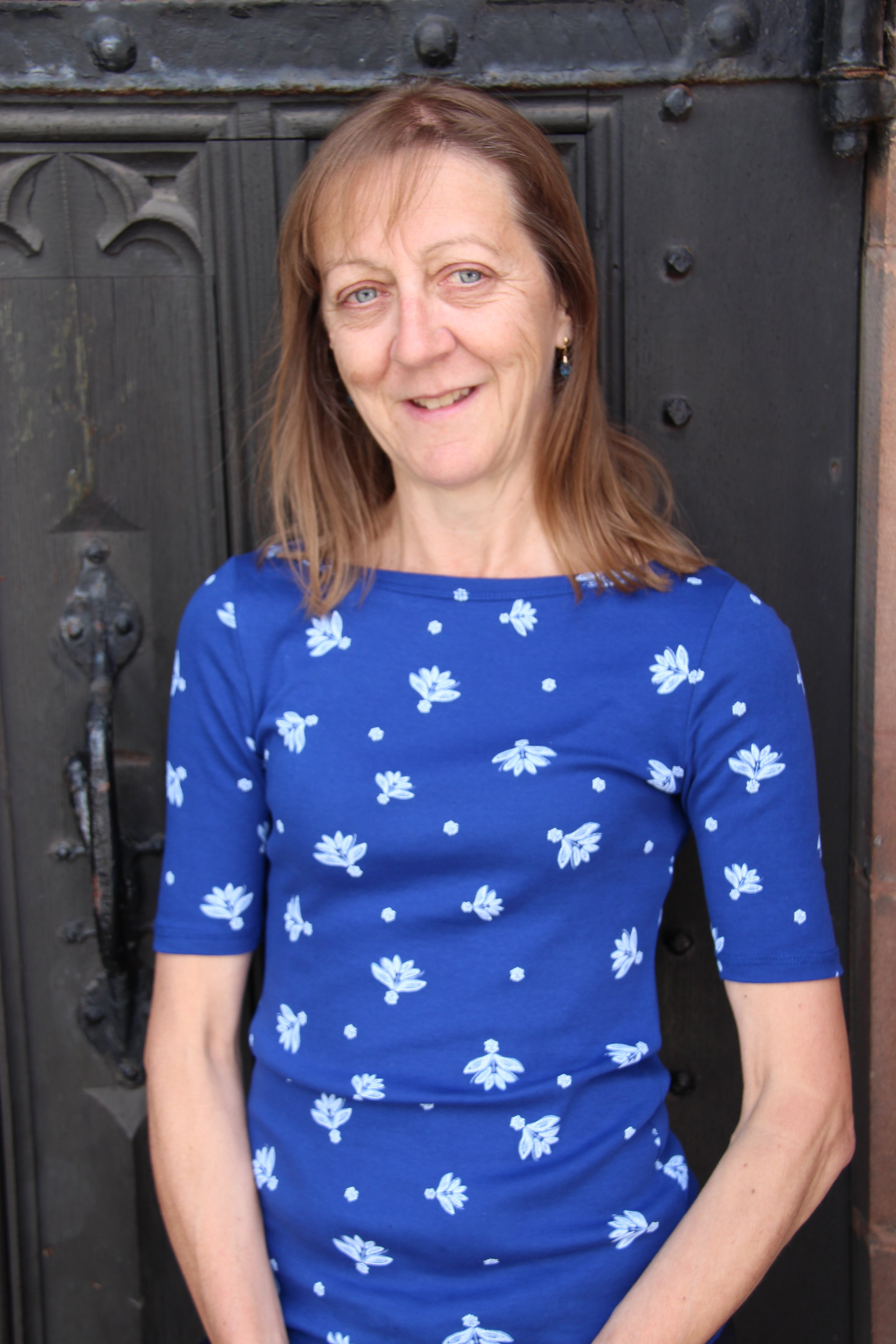 Kim Quinn - Office Administrator   Kim has been an office administrator at St Helens Parish Church for many years, following over 24 years' experience as a solicitor. She is married to Mark, and they have a daughter at University. Kim's hobbies include horse-riding, dog-walking, reading & going to the cinema.
