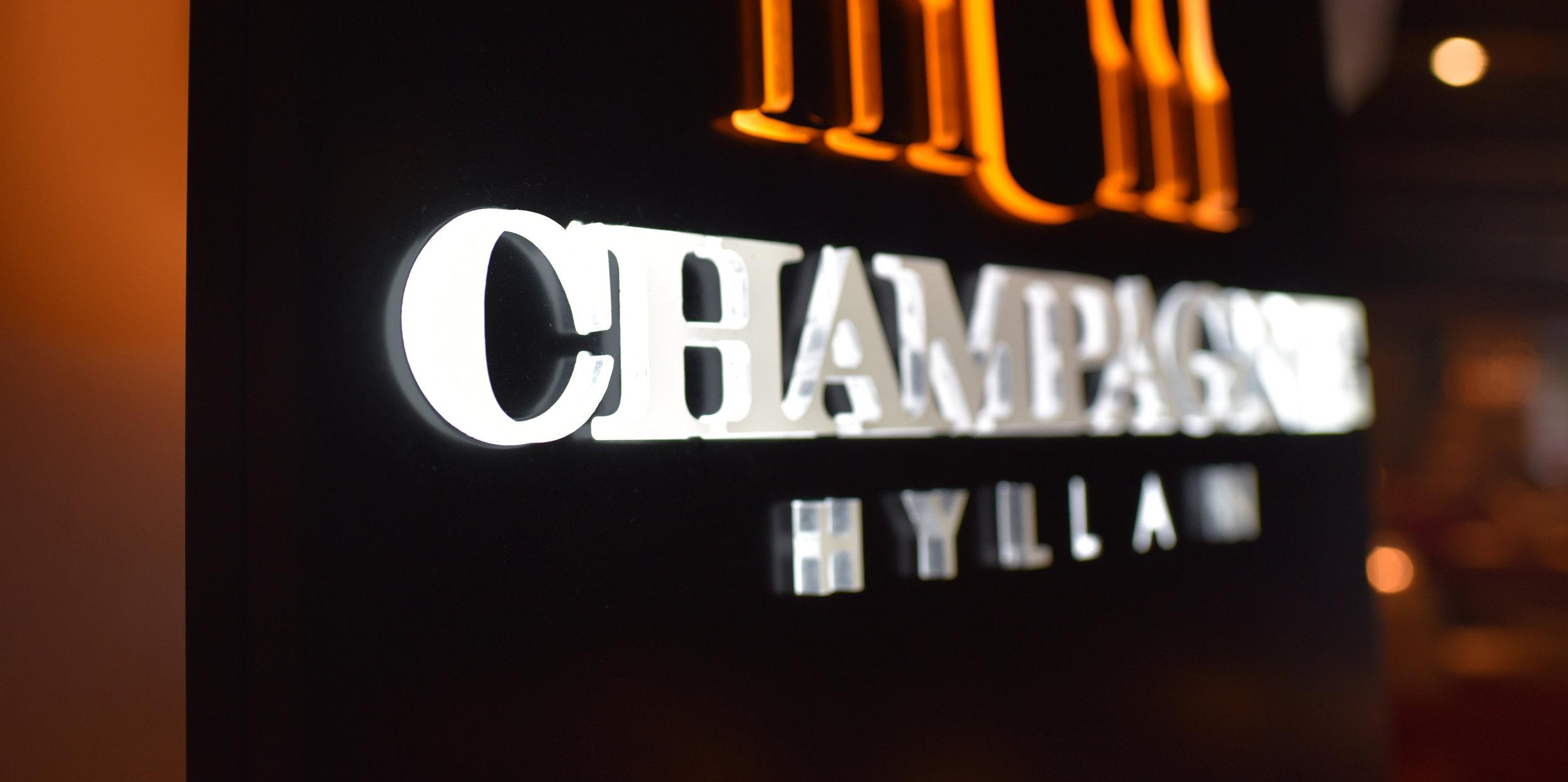 Bubbel på Champagnehyllan i Sälen.jpg