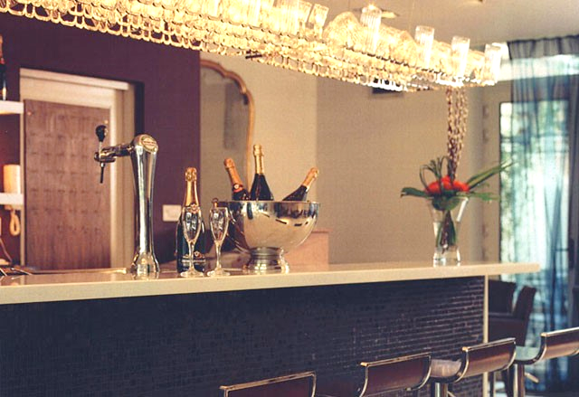 Bespoke built restuarant bar complete with key style products.