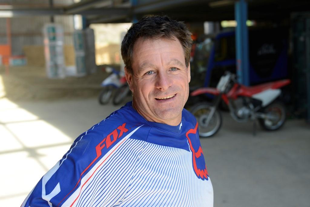 Olivier Monnier - L'entreprise a été créée par un passionné de moto, Olivier Monnier, qui, depuis son plus jeune âge, pratique le 2 roues.Il a participé à de nombreuses compétitionsen motocross,enduro,supermotardet rallye, dont le prestigieux