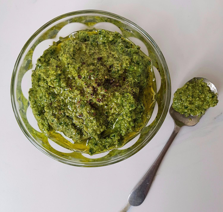 basil spinach and walnut pesto