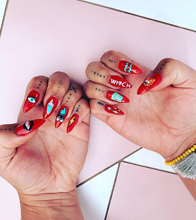 🔮💵✨AHHH branding icons I designed for @thecovengirlgang in nail form 😱💅🏽💗